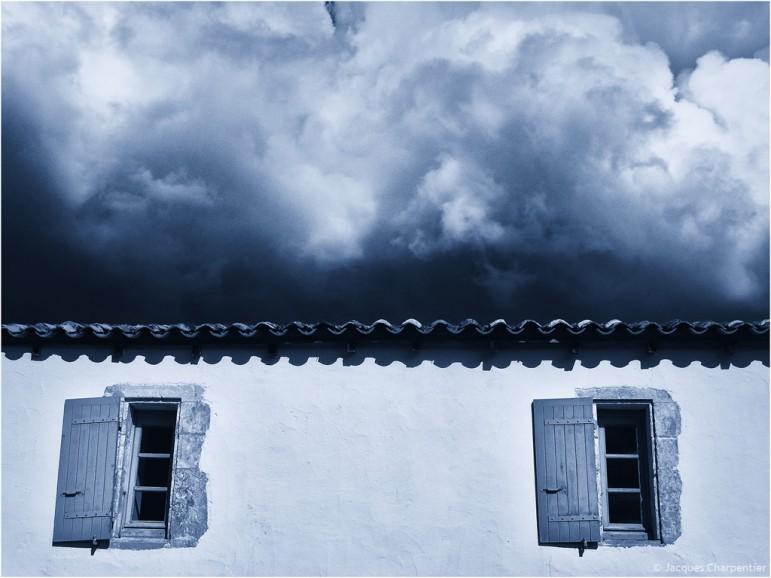 Orage au dessus du toit, Gironde, 2015 © Jacques Charpentier