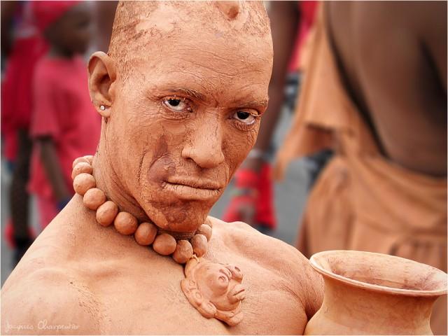 Homme d argile, Carnaval Martinique, 2007 © Jacques Charpentier