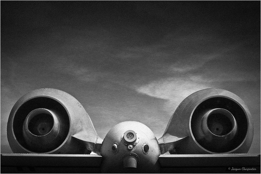 Engin de mort, Tours, 2015 © Jacques Charpentier