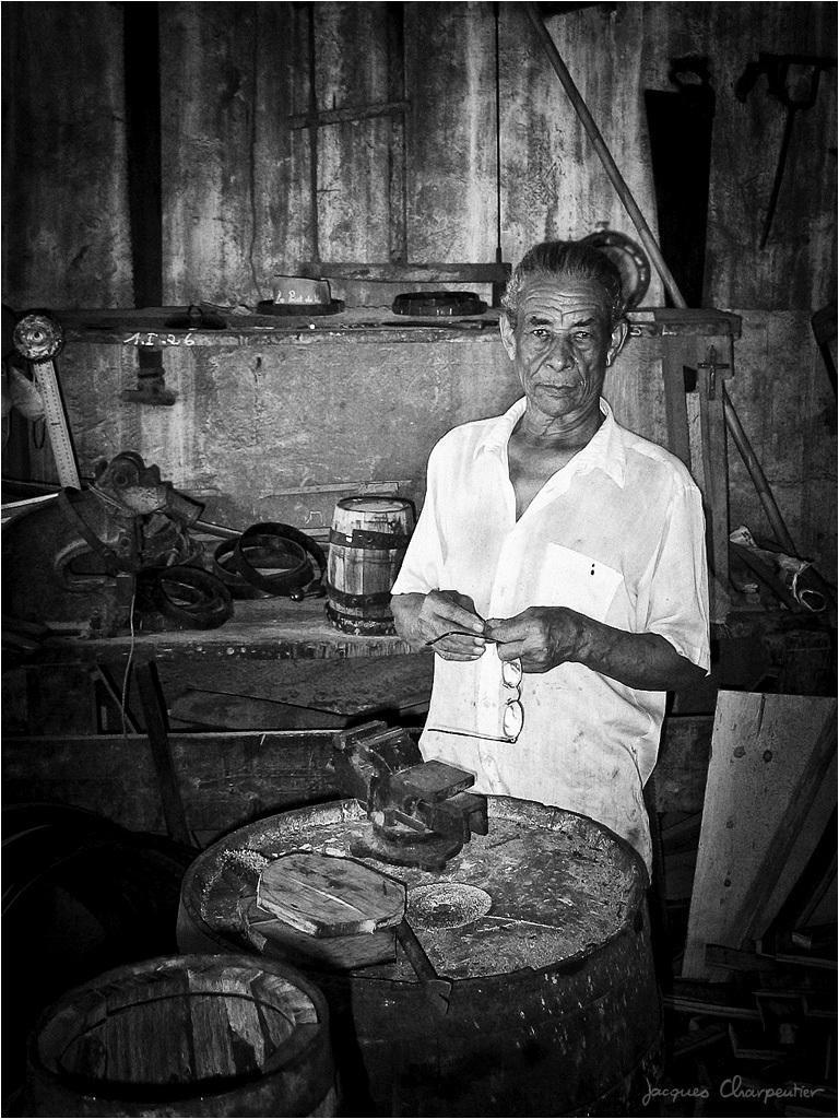 Tonnelier St James, Ste Marie, Martinique, 2007 © Jacques Charpentier